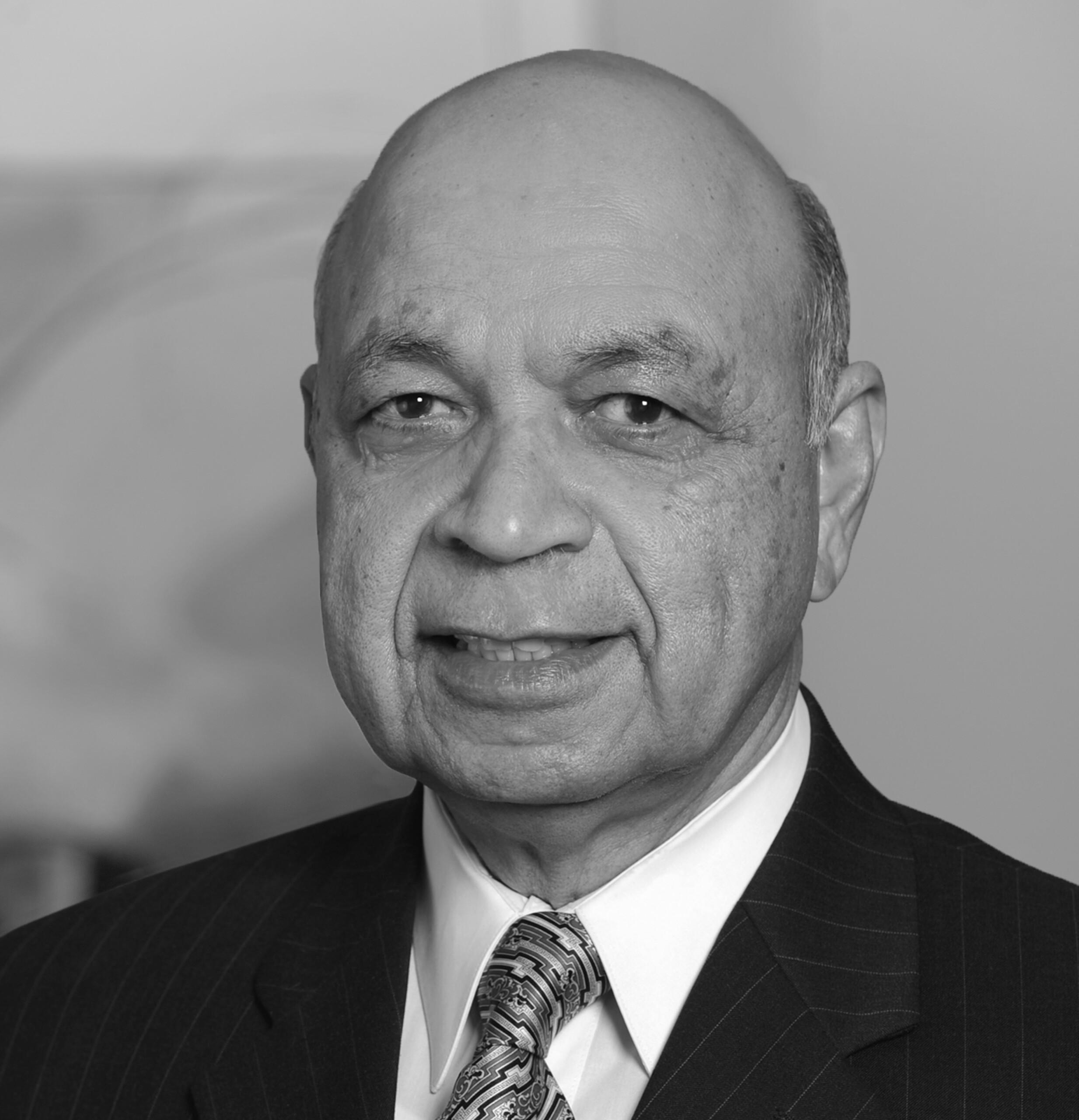 Dr. Inayat Malik