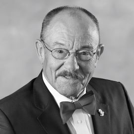 Dr. Carl Olsson
